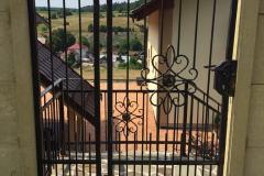Vstupná bránka a zábradlie