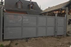 Dvojkrídlová brána s bráničkou s výplňou ťahokov